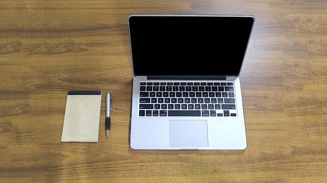 החלפה או תיקון מסך למחשב נייד