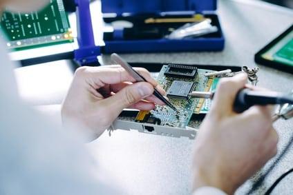 מעבדת מחשבים אבן גבירול